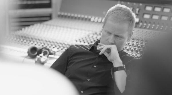 مکس ریشتر، آهنگساز و سازنده آلبوم موسیقی دفترچه یادداشت های آبی The Blue Notebooks